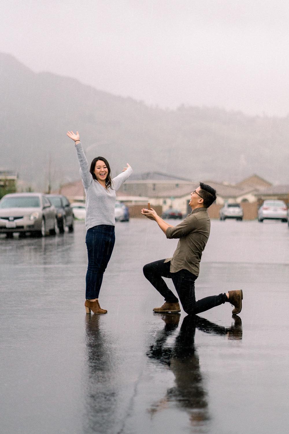 rainy-surprise-proposal-20.jpg