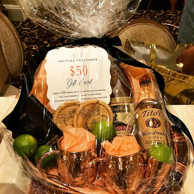 Congratulations to Amanda Smith! She won our door prize - a Moscow Mule Gift set and an Inviting Treasures gift card ($50). #wedding #weddingfest17 #weddinginvitations #2018bride #custominvitations #weddingshowcase