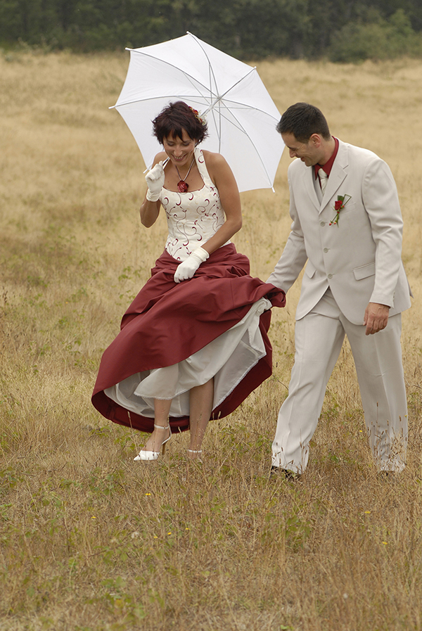 5 Tips to keep your wedding dress clean
