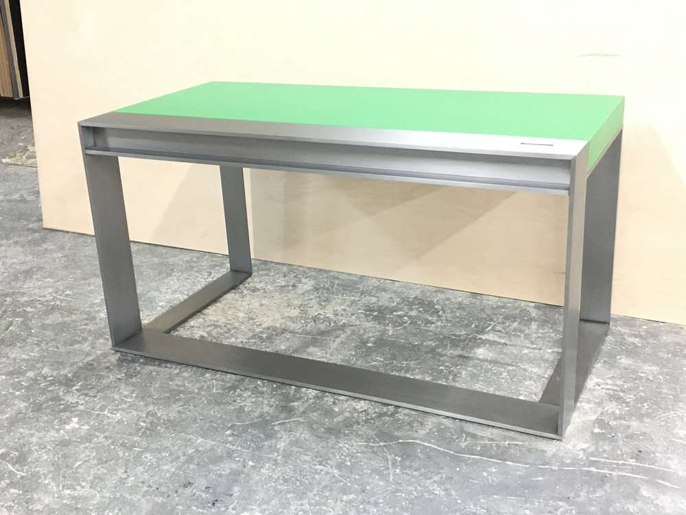 Metal desk 1
