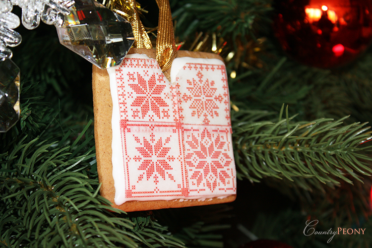 DIY Gingerbread Cookie Ornament