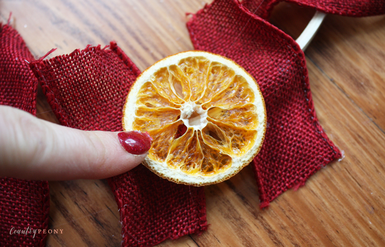 DIY Dried Clementine Christmas Wreath