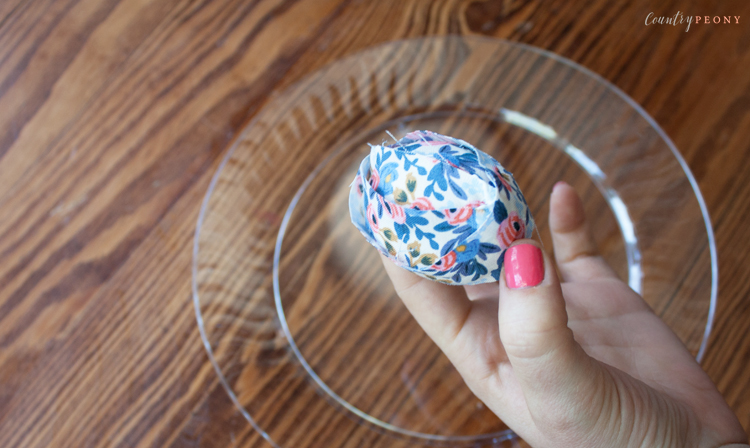 DIY Floral Easter Eggs Wreath