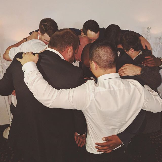 Huddle in lads... 🙏🏾 ___________________________________________________  #YeahTheBoys #Prayer #Family #Wedding #Marriage #Trump