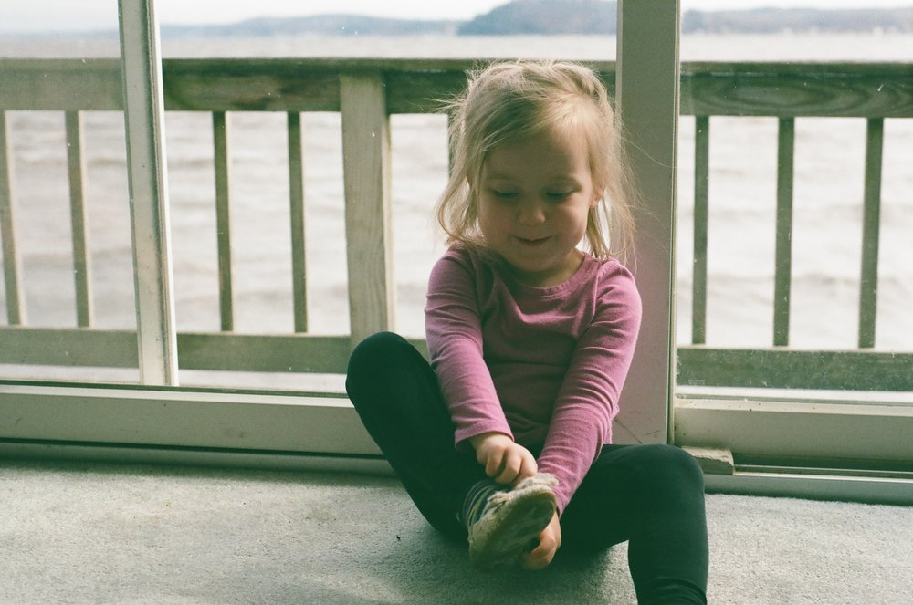 Amelia_at_lakehouse.jpg