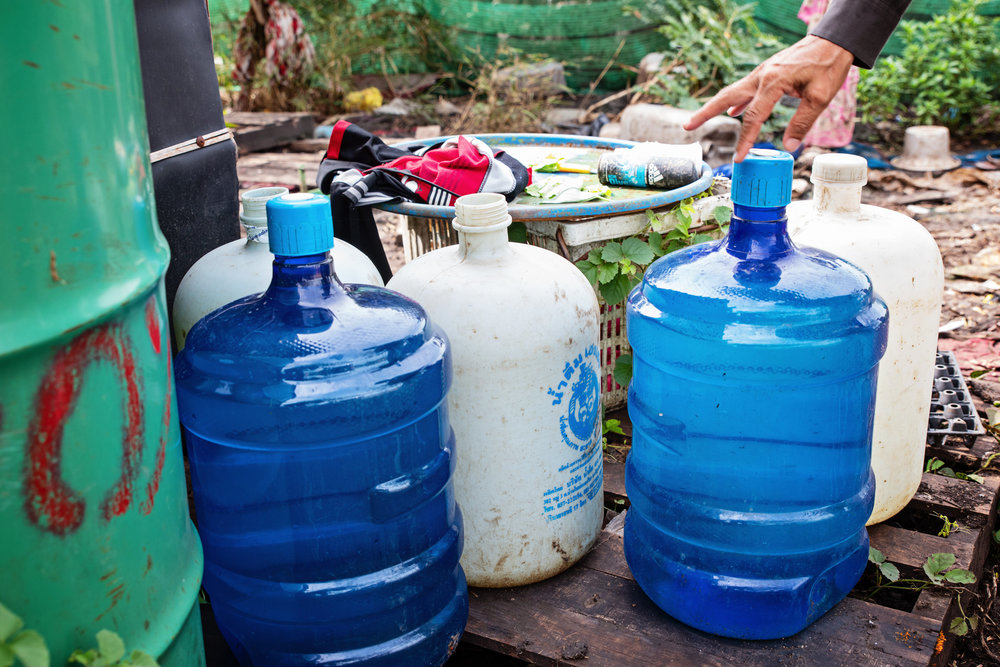 Clean water is provided by Damnok Toek to the people who live in the dumpsite. This water is used for drinking and cooking.