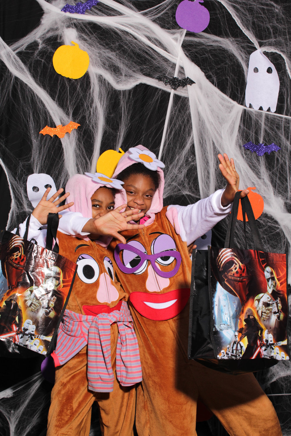 OA-HalloweenPhotobooth-2018 (16 of 118).jpg