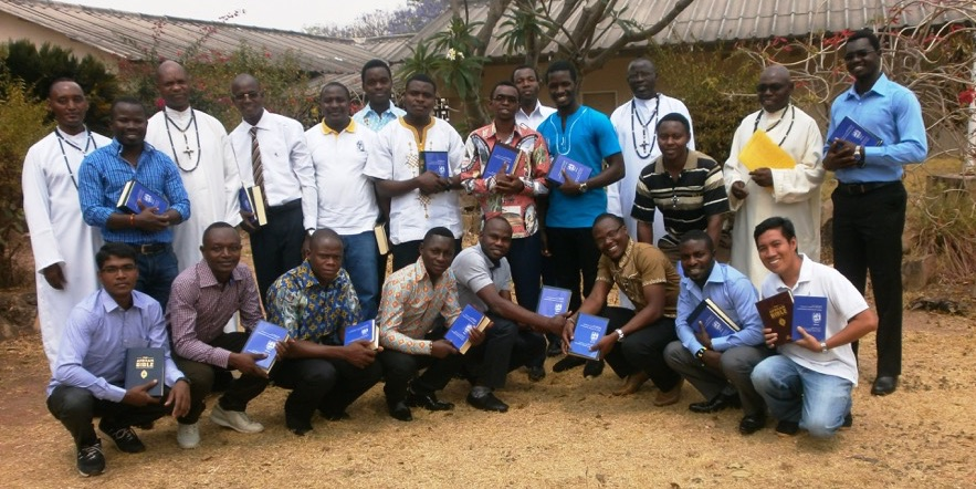 Novices receive the Word of God to share