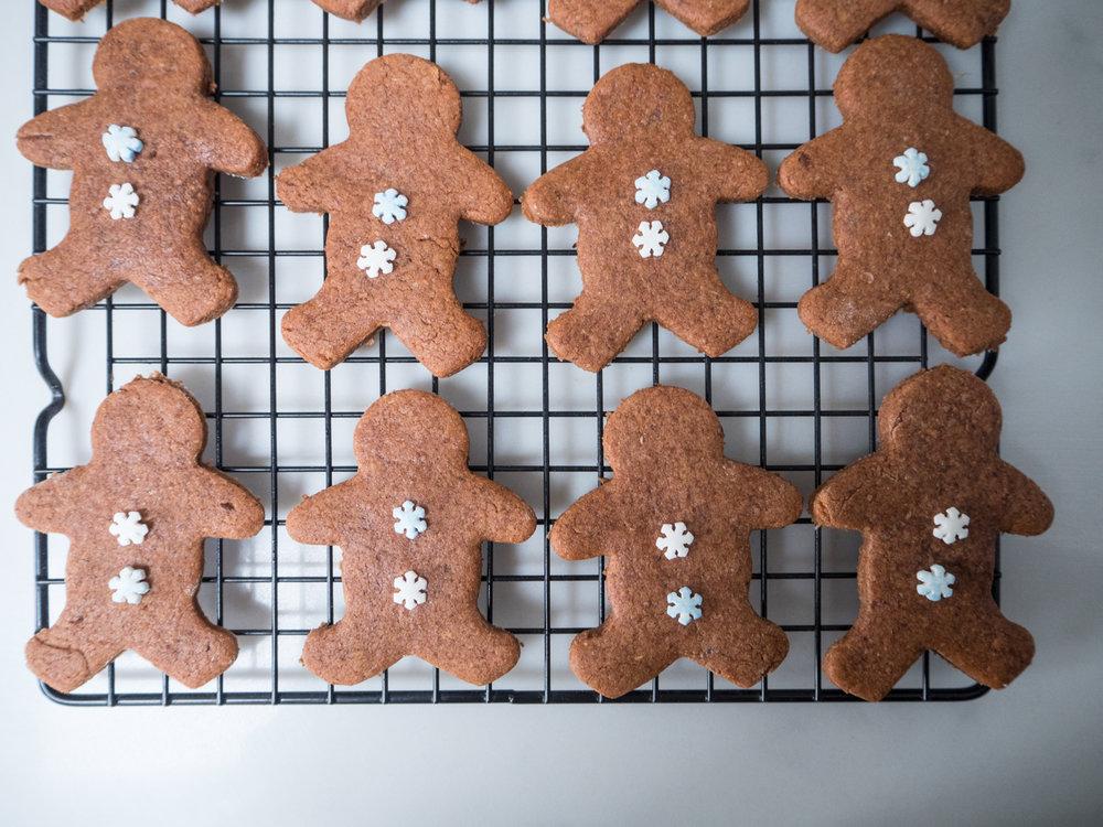 gingerbread men-270034.jpg