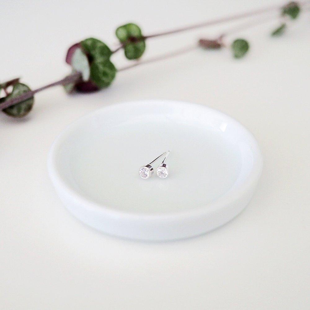 Cubic Zirconia diamond studs