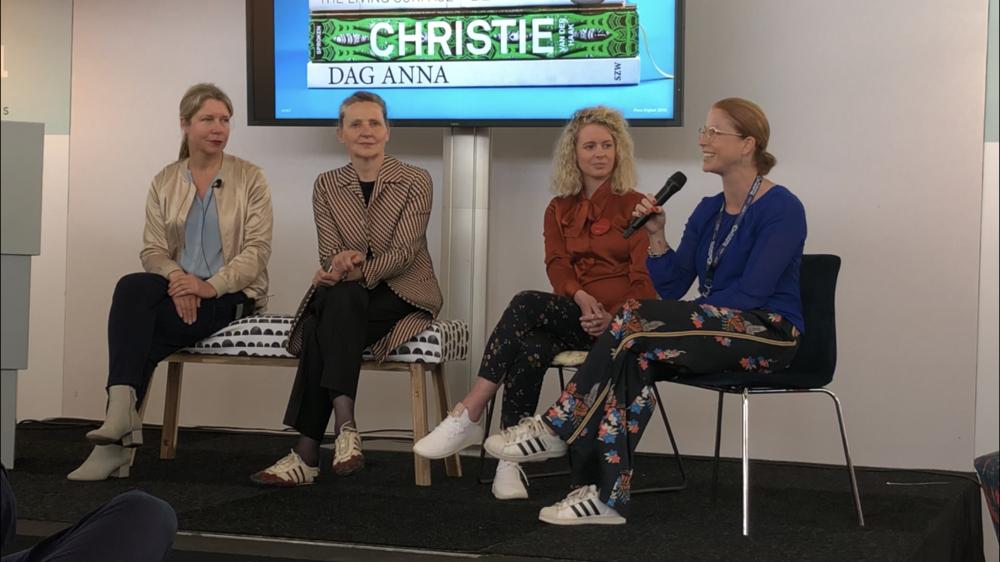 Hil Dreisen discussing Design and Digital Print with designers at Pure Digital 2018