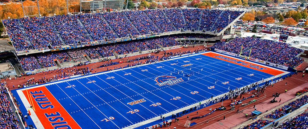boise state smurf turf the sporting blog.jpg