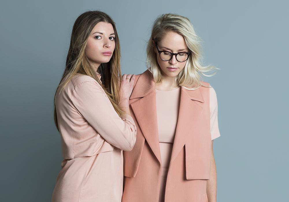 """YOU GOTTA KNOWedition f –susann hoffmann &nora-vanessa wohlert - Den Anfang ihrer gemeinsamen Karriere beschreiben Nora-Vanessa Wohlert und Susann Hoffmann so: """"Alles hat gepasst."""" Der Zeitpunkt, die Idee, die Chemie zwischen den beiden.LOS GEHT'S"""