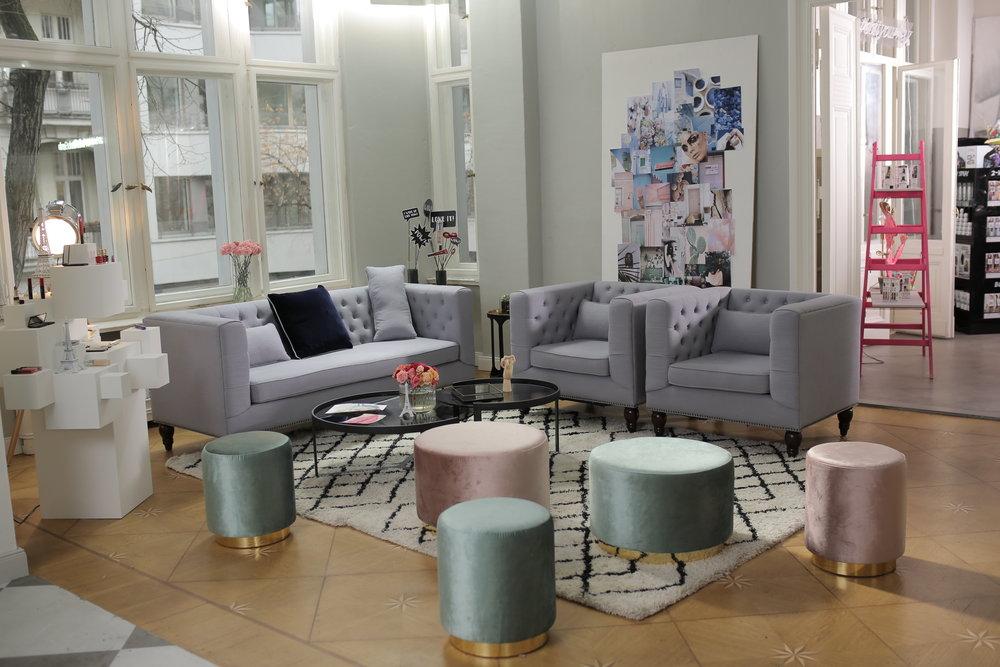 INTERIOR das atelier by l'oréal paris - Erfahre mehr über meine Leidenschaft für Interior Design und mein Konzept und die Einrichtung des L'Oréal Paris Atelier zur Berlinale 2017!LOS GEHT'S