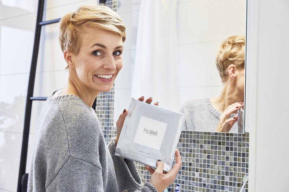 FILABÉ -Das Mikrofibrillen-Gesichtspflegetuch bringt hochkonzentrierte, natürliche Wirkstoffe systematisch in die Haut
