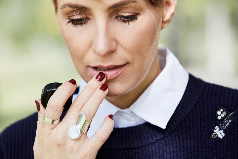 Ein Lippen-Peeling empfehle ich mindestens 1 x in der Woche oder nach Bedarf zu machen.