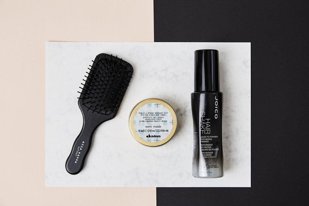 Julis Hair-Style Favorites: Acca Kappa Haarbürste, davines more inside Strong Molding Clay, Joico Hair Shaker Spray