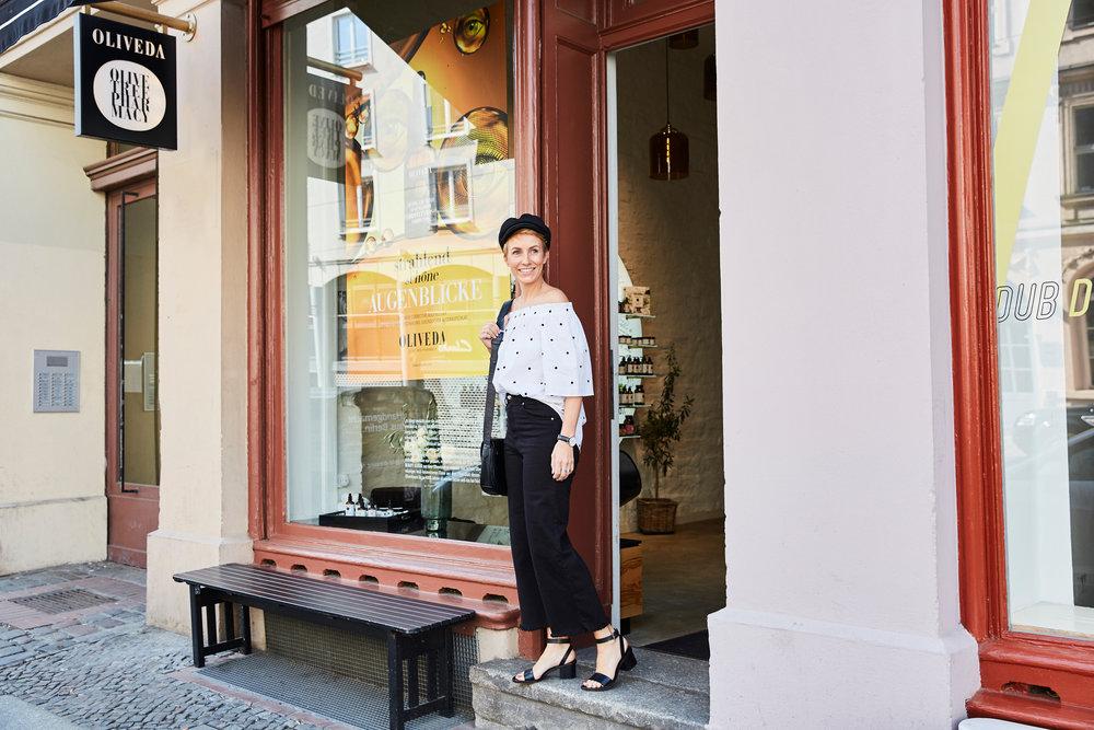 Miriam Jacks zu Besuch im OLIVEDA Flagship Store,Neue Schönhauser Str. 11, 10178 Berlin