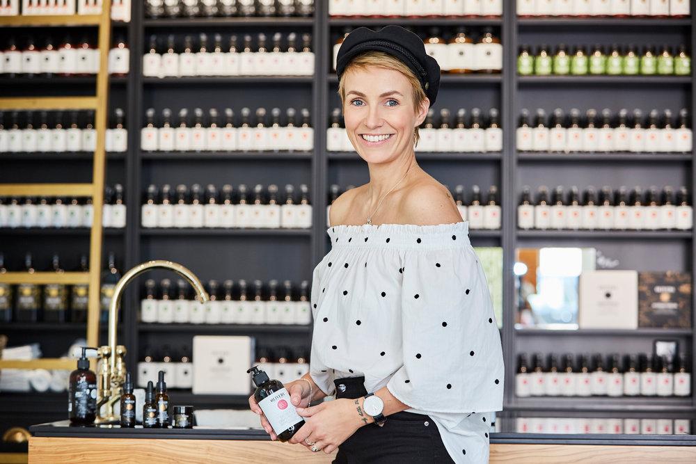 MiriamJacks_Oliveda_Store_Berlin_Titel.jpg