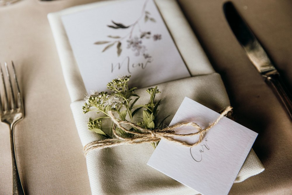 Tisch_Deko_Hochzeit.jpg