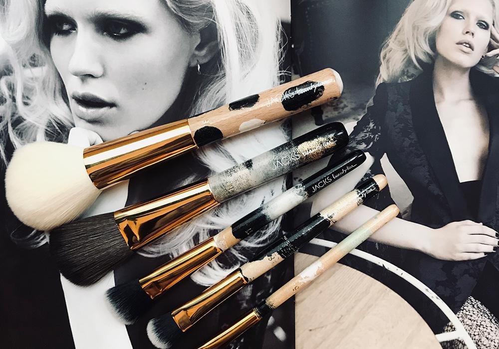 Fotos aus dem JACKS beauty Issue Winter 2011 Fotografiert von Jürgen Schabes, Model Alys Hale