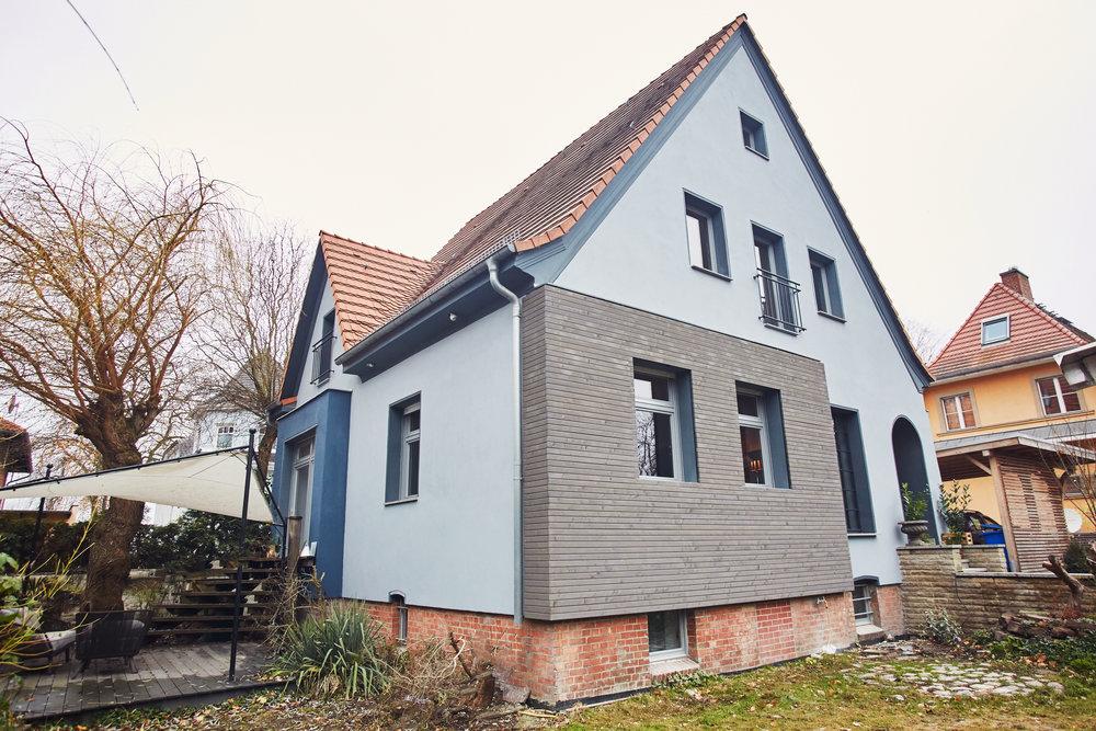 HouseofJacks_Außenansicht_Garten.jpg