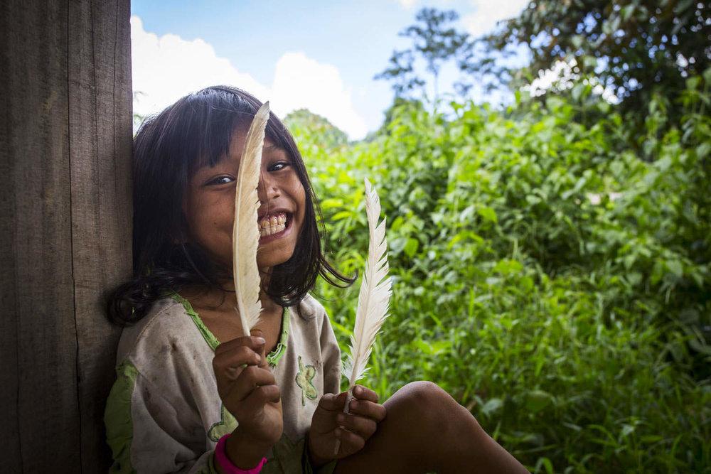 Portrait of a young ethnic kid | Documentary photographer in Vietnam | Francis Roux Portfolio