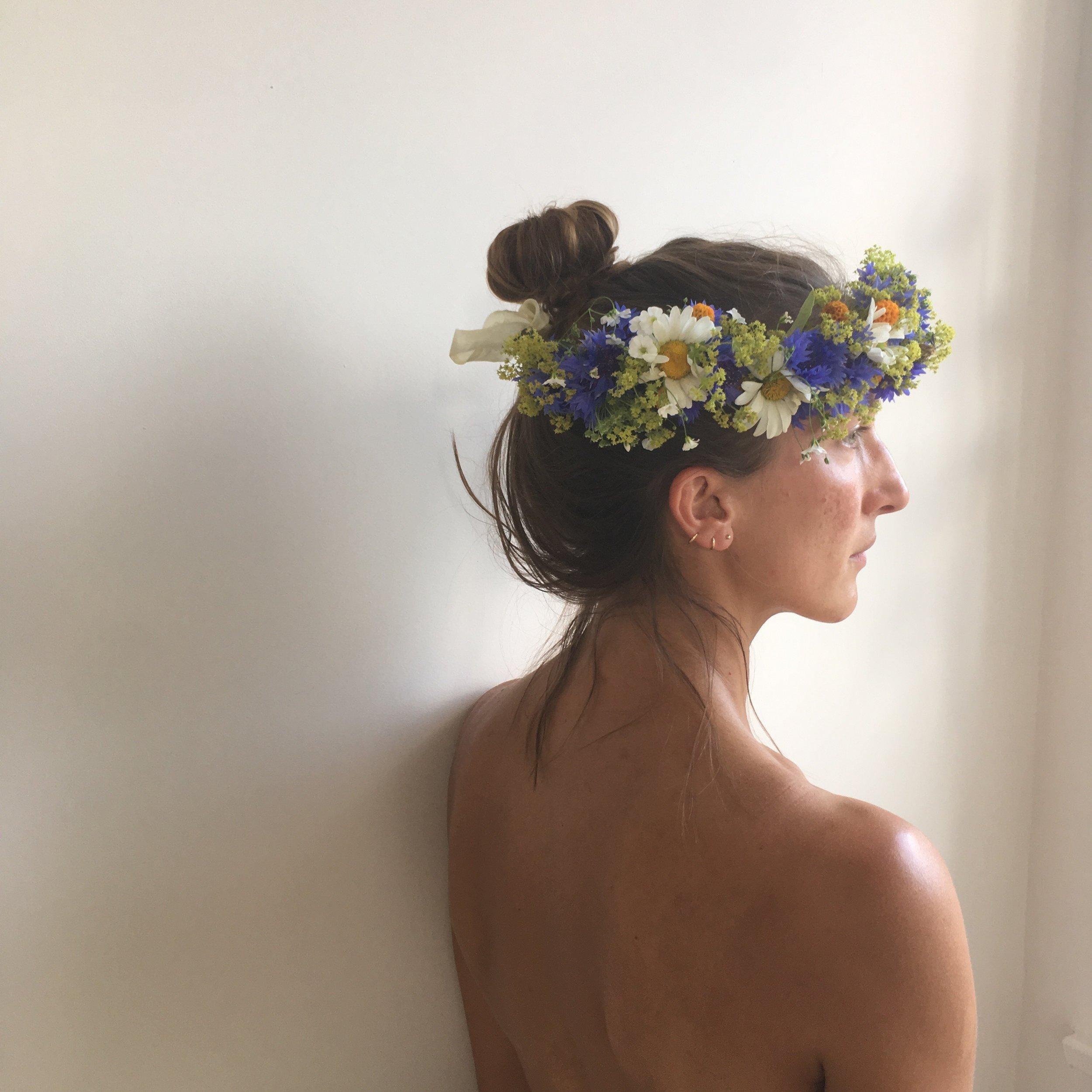 Diy mid summer flower crown botanical tales diy mid summer flower crown izmirmasajfo Images