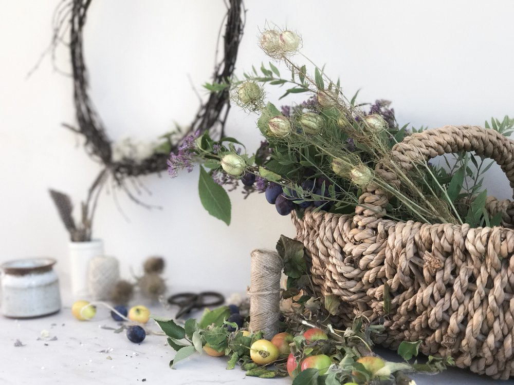 Have you ever fancied making your own wreaths? I'm holding an Autumn wreath making workshop at the beautiful  Wattle and Daub  shop in Godalming.  Using a mixture of dried and fresh flowers, seasonal foliage and seed heads with natural woven bases, you will learn how to craft your own wild, natural wreath to take home.  Whilst some of the ingredients you use to make your wreath will be fresh, they will all dry out over time and look beautiful hung inside or on your front door.   Small, intimate groups of no more than eight people, you can expect laughter, creativity and a little bit of gin thrown in for good measure!  Visit Eventbrite  here  to secure your place!