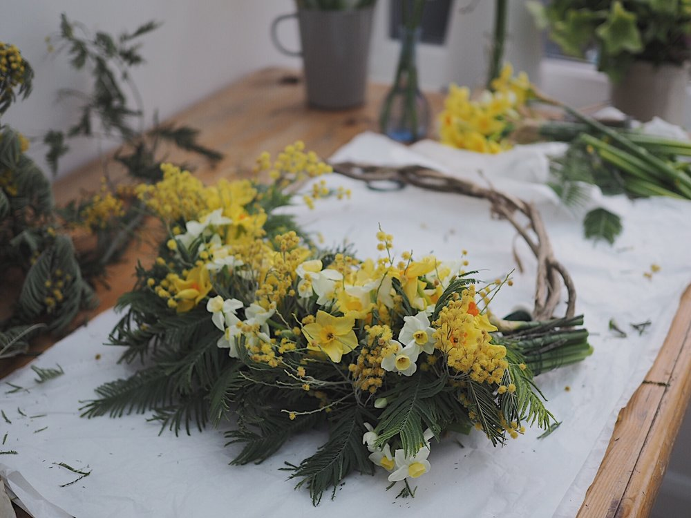 Finishing off the ends of my spring wreath