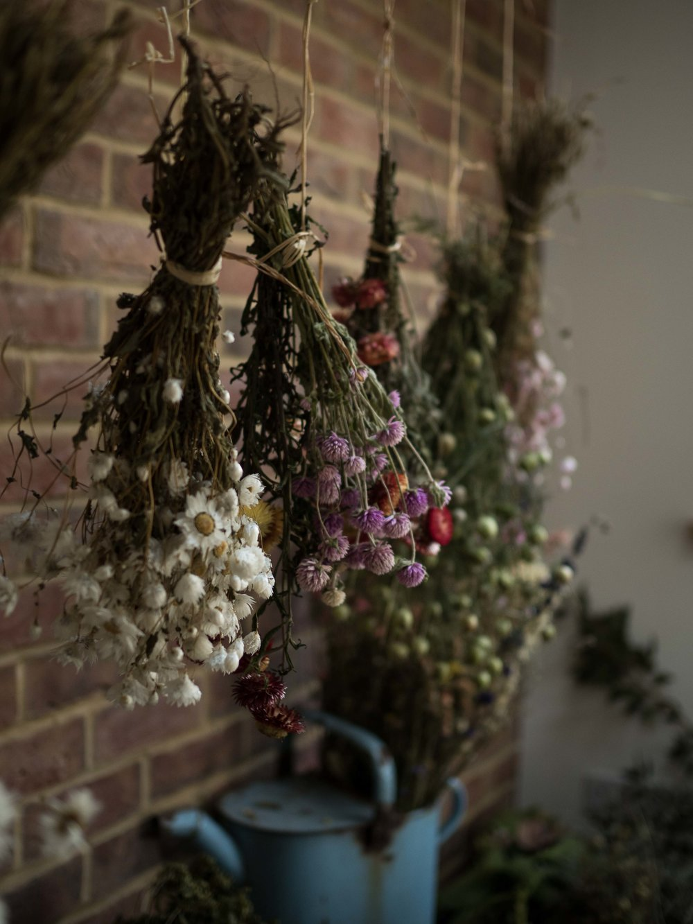 Hanging dried flowers wreath workshop