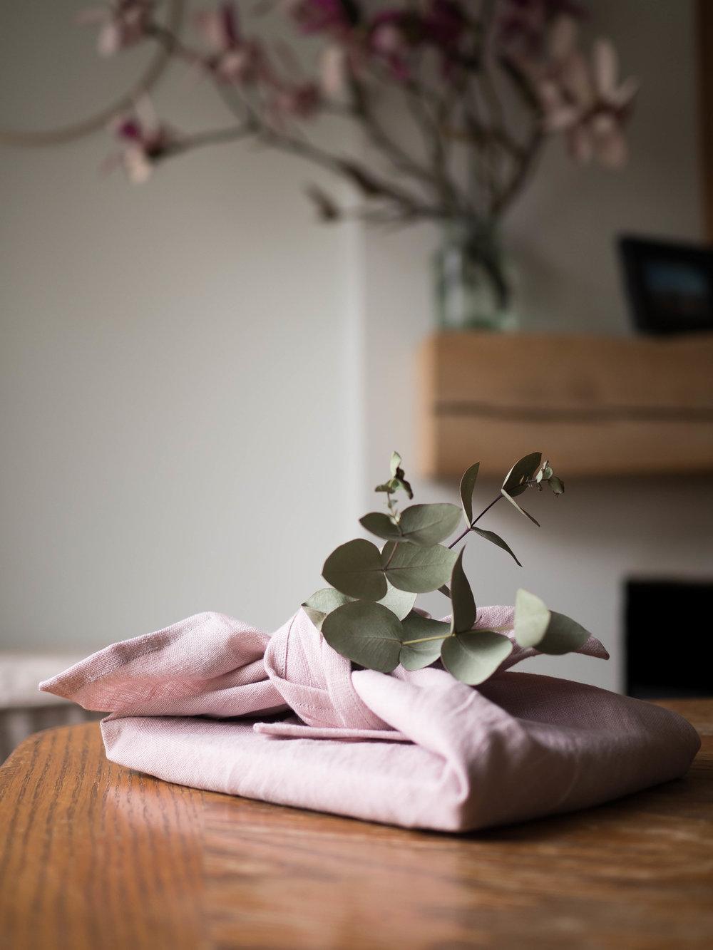 Otsuki Tsutsumi simple japanese fabric fold