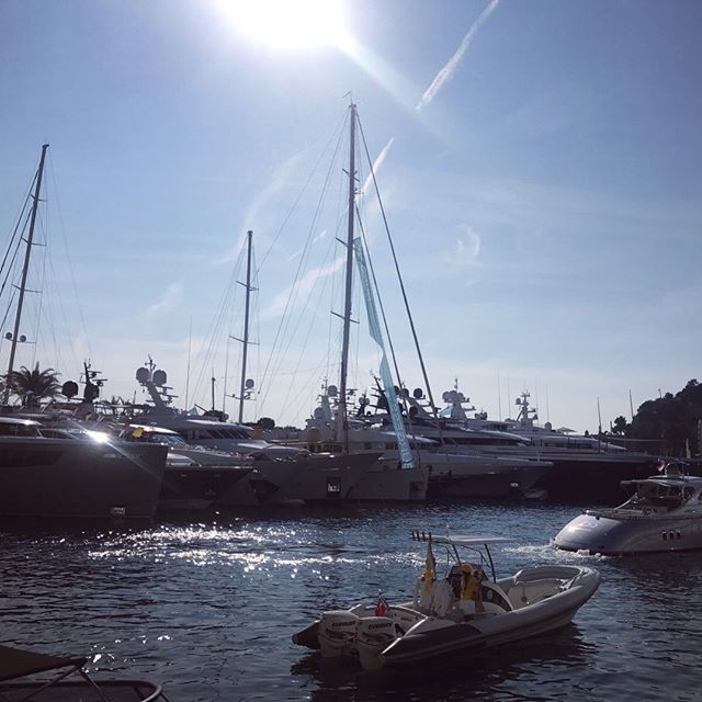 Not a cloud in the sky for Day 2 of #MYS2017 @monacoyachtshow_official . . . . . . . #monaco #yacht #yachtcrew #boatshow #crystalcaviar #seanet
