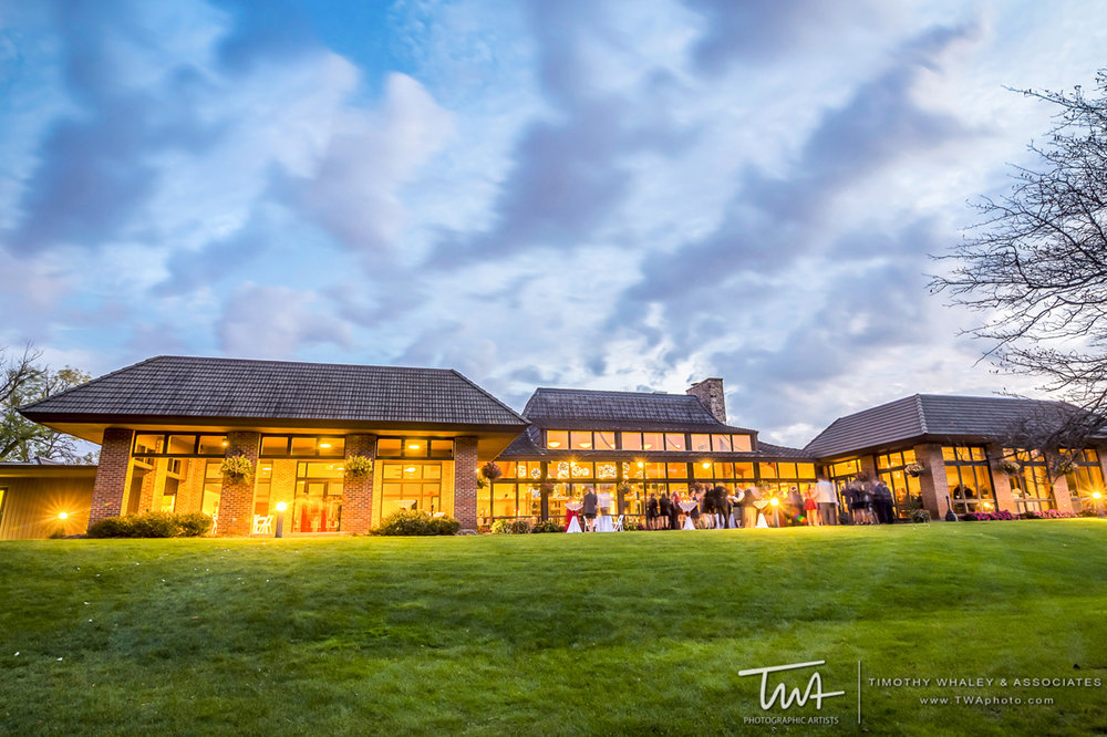 Oak Brook Bath & Tennis Club   Where Rustic Charm Meets Sophisticated Elegance