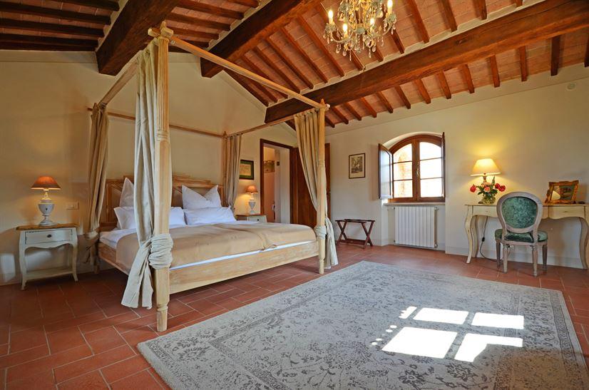 Giacinta bed 2.jpg