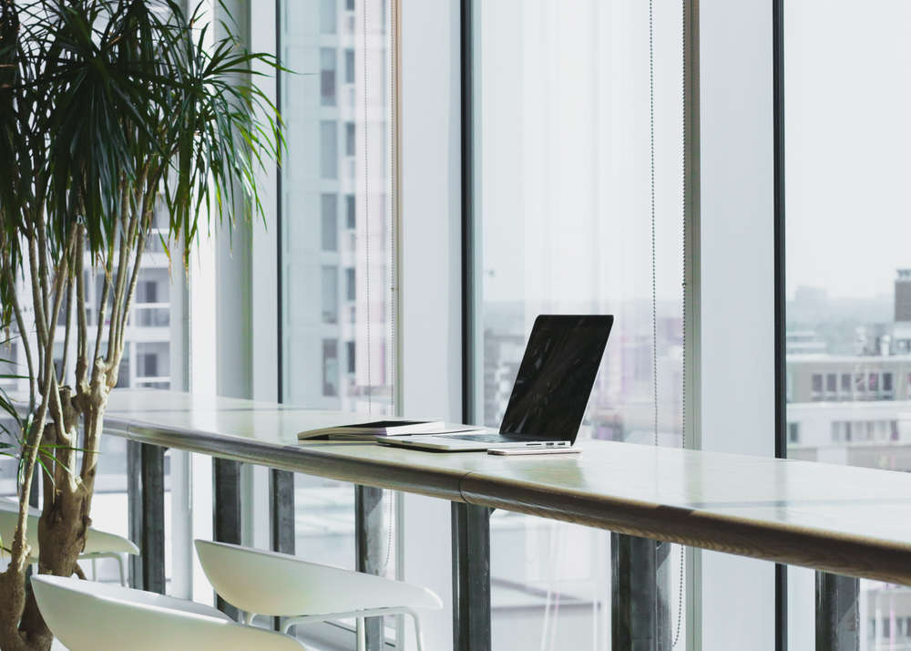 Flexible Desk - CHF 350.- per monthRent a desk on our campus for up to 10 days a month.➞ 10 days per month➞ Fast Wi-Fi➞ Printer access➞ Lounge & cafeteria➞ Events & networking