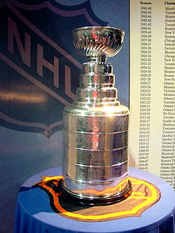 250px-StanleyCup.jpg