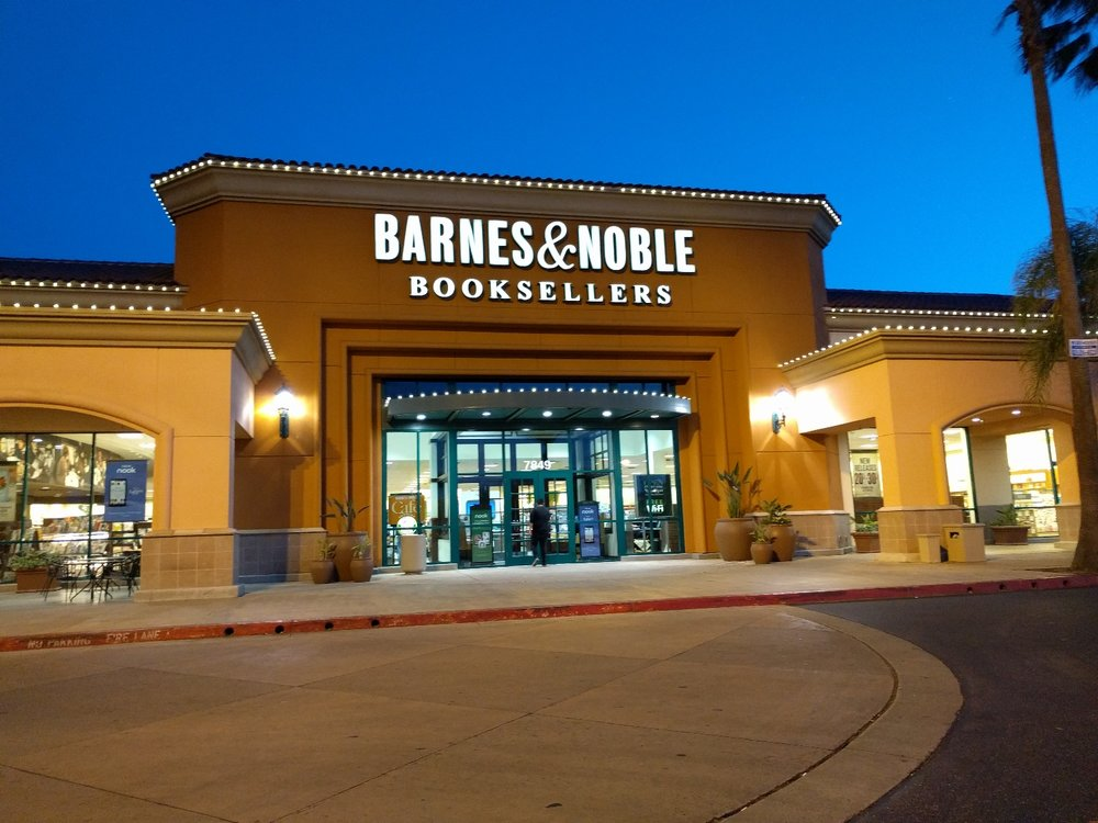 Barnes and Noble Book store Fresno Ca