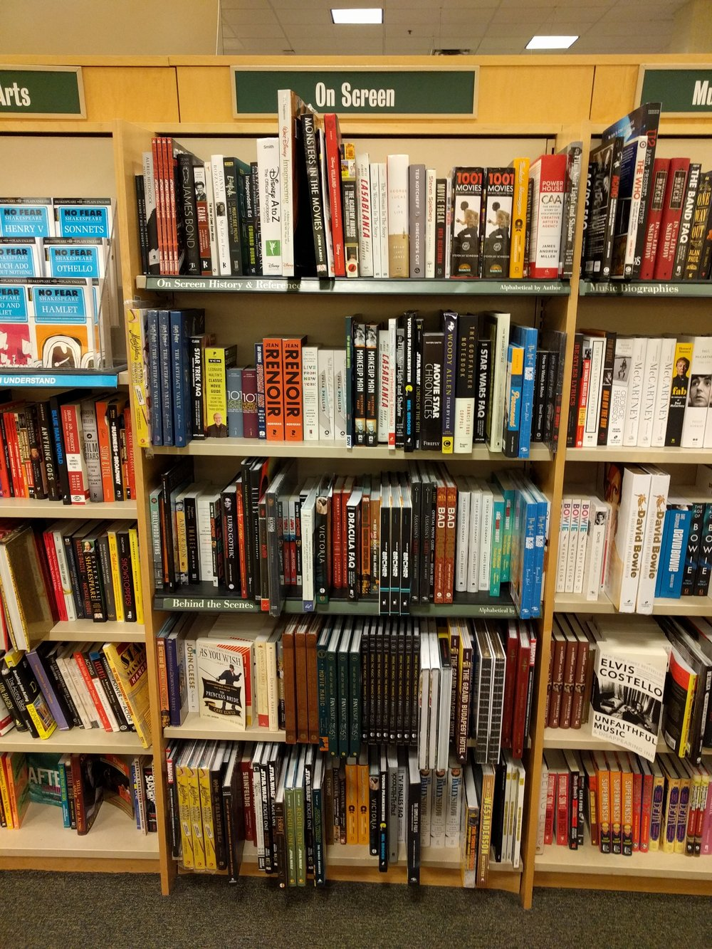 Inside Barnes and Noble Bookstore_On Screen Selection