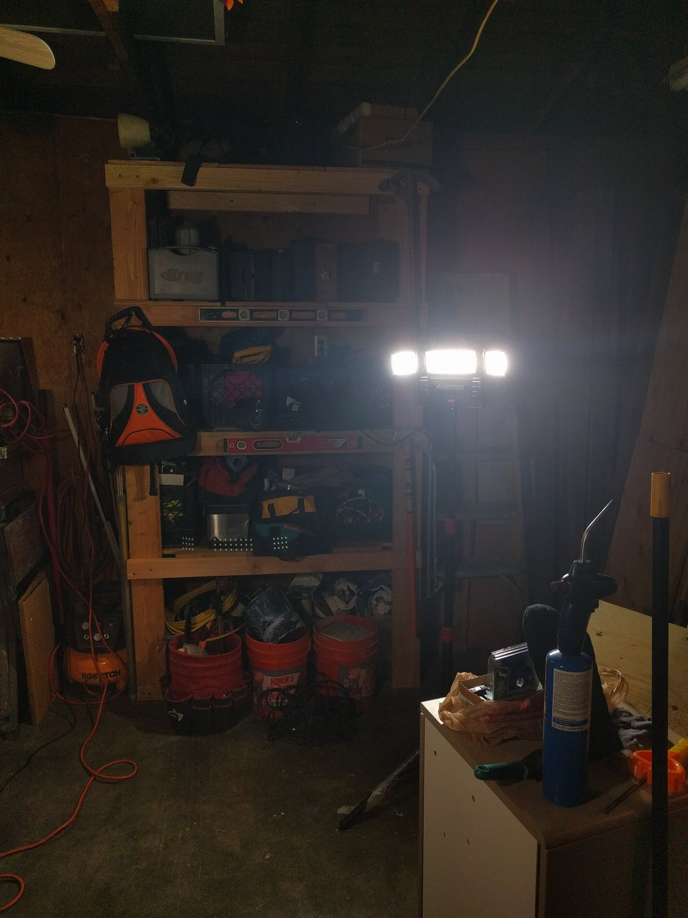 LED work light for filmmaking