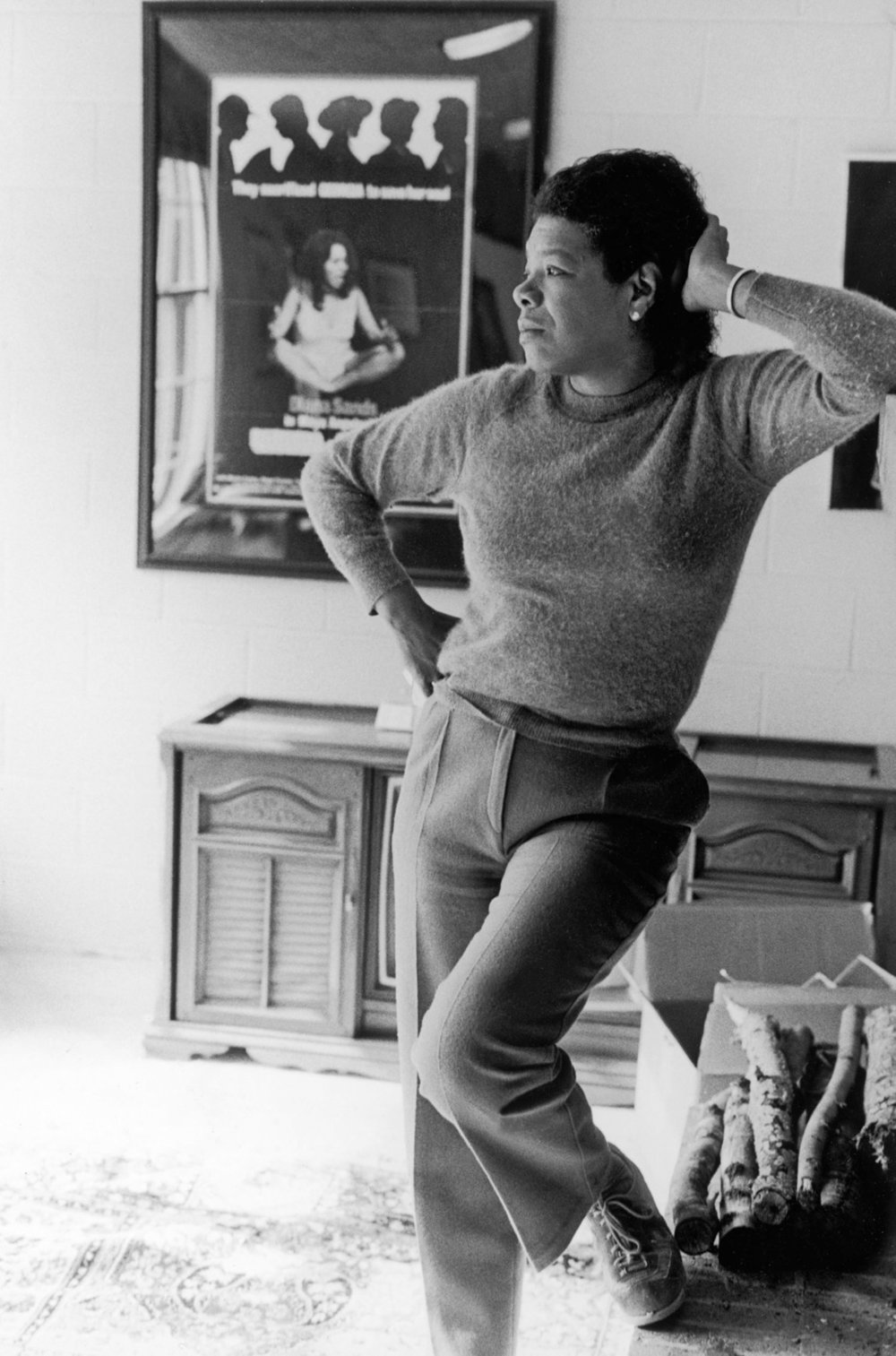 maya-angelou-reflects-while-at-home-in-this-undated-photo.jpg
