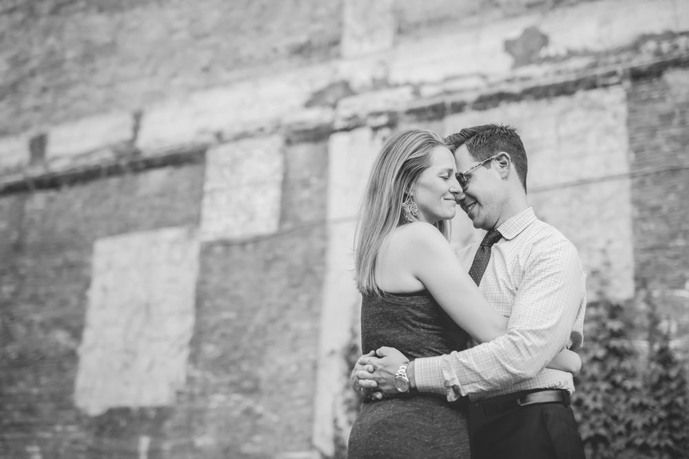 north loop minneapolis engagement photos-18.jpg