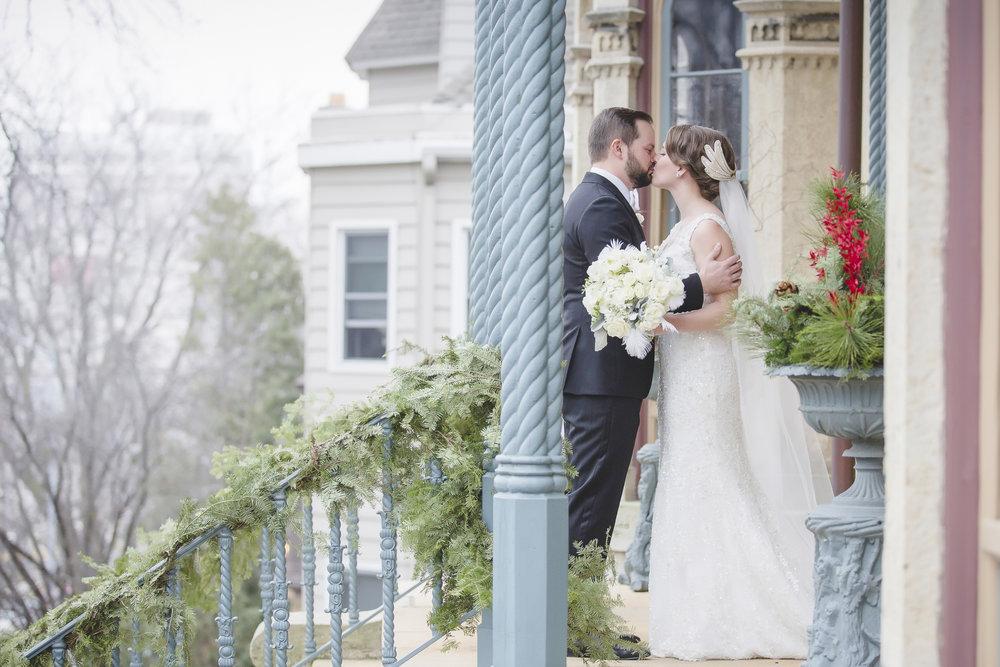 minneapolis winter wedding photographer-4.jpg