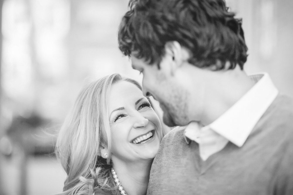 uptown minneapolis lakes engagement session-2.jpg