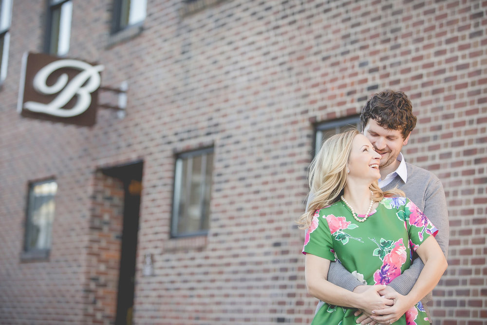 uptown minneapolis lakes engagement session-4.jpg