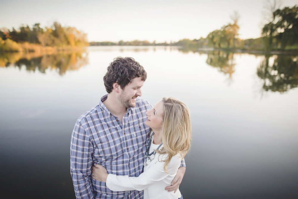 uptown minneapolis lakes engagement session-12.jpg