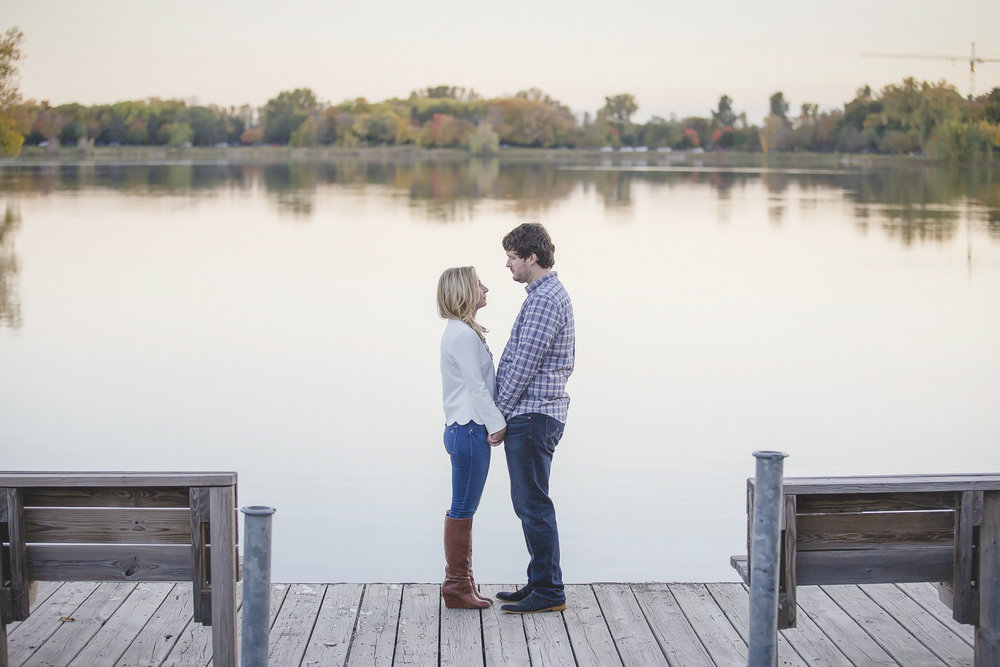 uptown minneapolis lakes engagement session-13.jpg