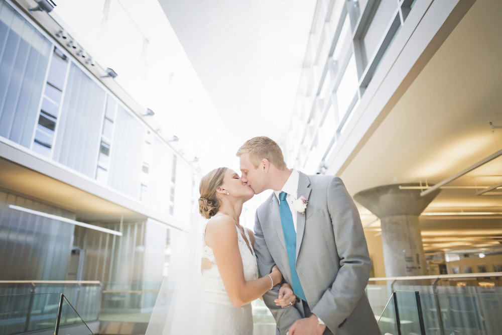 minneapolis central library mintahoe wedding photography-29.jpg