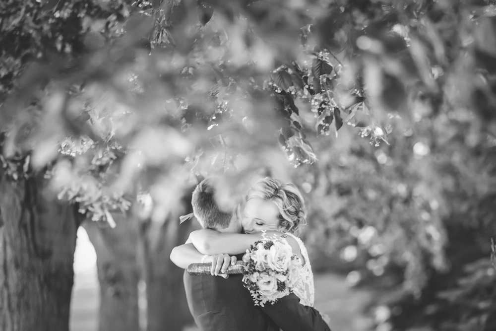 vadnais heights commons saint paul wedding photographer-29.jpg