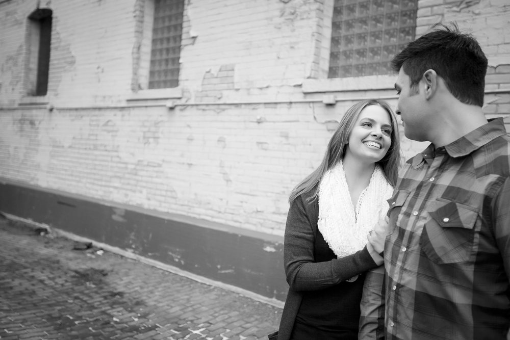 north loop minneapolis engagement session-5.jpg